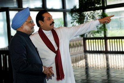 president-mahinda-rajapaksa-with-prime-minister-manmohan-singh