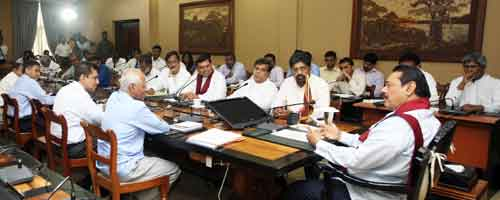 LEAD-PIC-Electronic-and-Printed-Media-Editors-meet-the-President-2