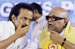 Sri Lanka issue: DMK threatens to pull out ministers