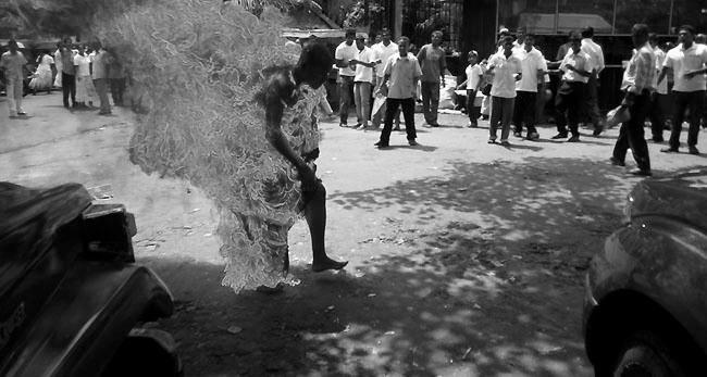 SriLankaMonkSuicideMay2013