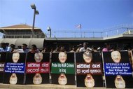 Members of the Federation of National Organization (FNO) gather in front of the U.S. Embassy during a protest in Colombo January 9, 2014. REUTERS/Dinuka Liyanawatte