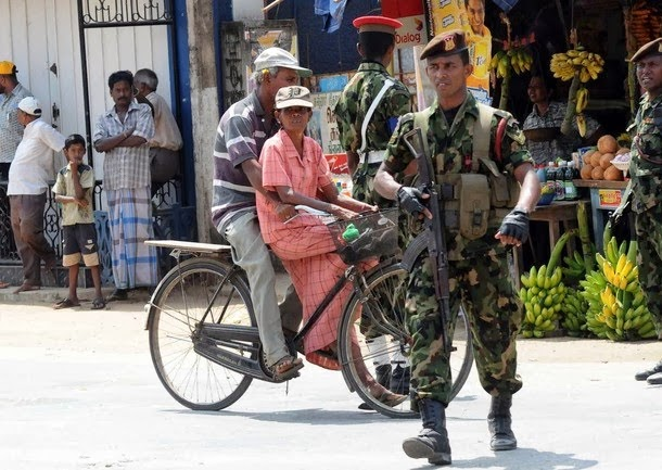 soldiers-stand-alert-in-a-street-of-Jaffna