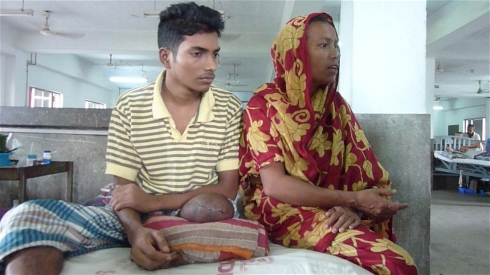 Photo: Kamrul Hasan Khan/IRIN Hossen alleges he was shot in the leg by Bangladesh's RAB