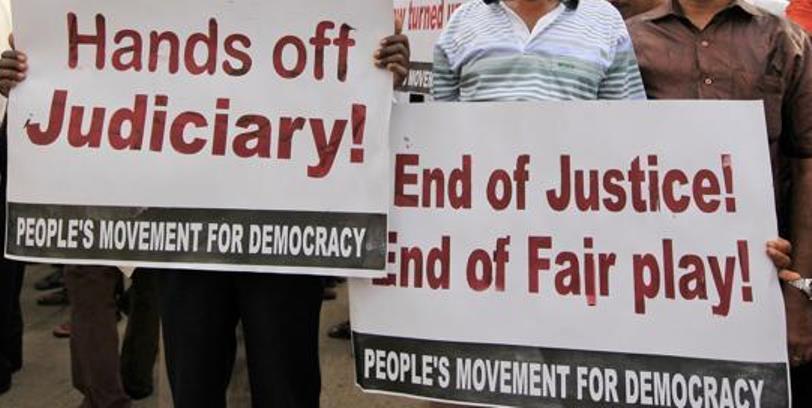 Sri Lankans protest--621x414