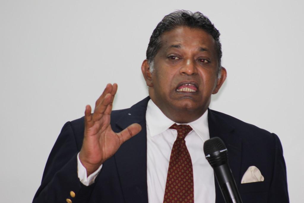 Dr Saravanamuttu