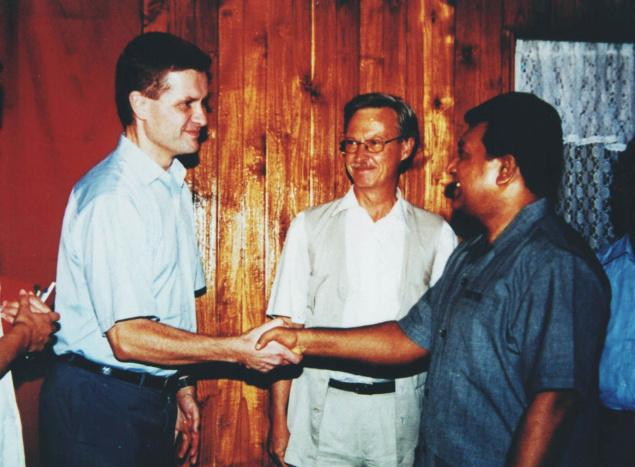 In this file photo from November 2000, Norway's special peace envoy Erik Solheim meets LTTE leader Velupillai Prabhakaran in Kilinochchi in northern Sri Lanka.