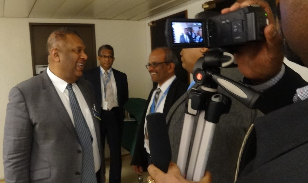 Minster Samaraweera talking to Sri Lankan Journalists at the HRC]
