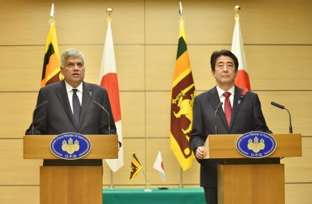 Sri Lanka Pm and Japanese PM in a press conference