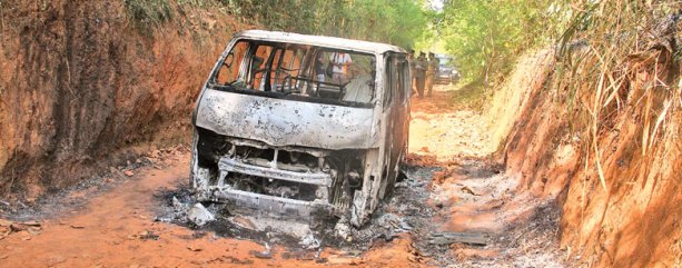 Five people reportedly burned alive in this vehicle few days ago, close to Colmbo