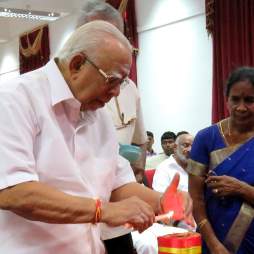 Sampanthan paying tributes