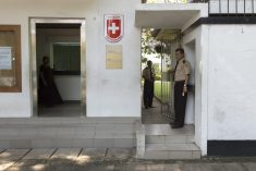 Swiss embassy worker kidnapped and threatened in Colombo