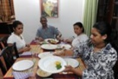 Sri Lanka share down, investors eye Fonseka release