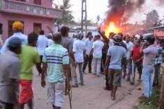 Sri Lanka : Navi Pillay alarmed at communal violence