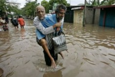 Sampanthan Commends the People  for Their Solidarity With Those Affected by Floods