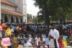 "Five thousand Catholics, Muslims and Hindus defend Mannar bishop against ""vile"" accusations"