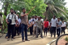 Sinhalese and Tamil students clash at Jaffna University -Tamil Guardian
