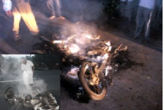 Attacks on media escalate in Jaffna, newspapers burnt by alleged SL military squad