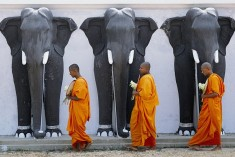 Buddhist Mahanayakes say 'out with the 13th A'