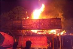 Thugs attack students' 'Sathyagraha'
