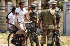 Jaffna: Entrace to  Uthayan Newspaper blocked by Military; work disrupted