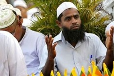 Sri Lanka's Ex-leader Mahinda Ditches Muslims